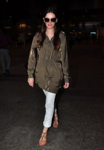 Evelyn-Sharma-airport