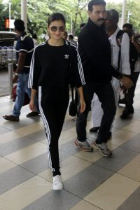aliya bhatt at airport