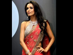 malaika-arora-khan-in-red-saree