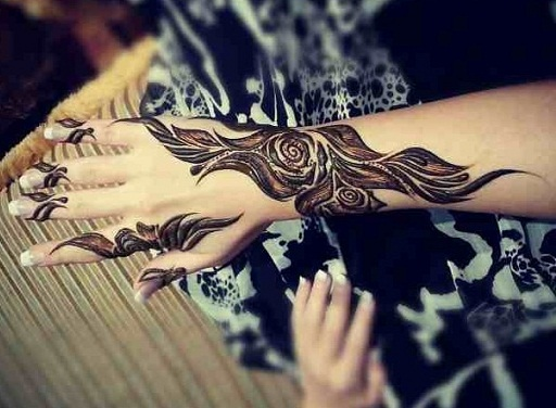Best Henna Designs Flowers: 50 Best Floral Mehendi Designs For Hands And Feet